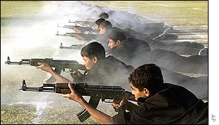 Young Iraqi cadets receive weapons training