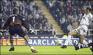 Mark Viduka opens the scoring for Leeds after five minutes