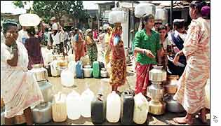 Women collect water in drought-stricken southern India