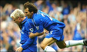 Eidur Gudjohnsen is congratulated by Gianfranco Zola after giving Chelsea an early lead