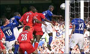 Kevin Campbell rises highest in the Boro penalty area to give the Toffeemen a dramatic late winner