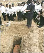 Zambian funeral for Aids victim