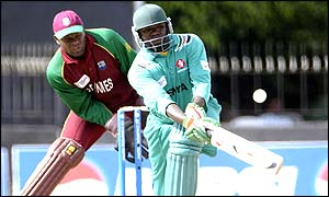 Kenya captain Steve Tikolo plays beautifully for 93
