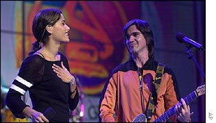 Nelly Furtado with Colombia's Juanes