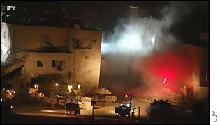 Explosions at Arafat's compound in Ramallah