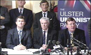 David Trimble with other leading Ulster Unionist members