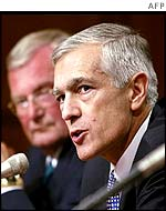 General Wesley Clark (r) and John Shalikashvili (L), John Shalikashvili, former chairman, Joint Chiefs of Staff