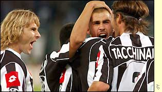 Pavel Nedved (left) celebrates Di Vaio's goal and later goes on to score one himself