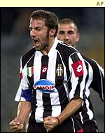 Juventus' Alessandro del Piero and Marco di Vaio both scored in the 5-0 win over Dynamo Kiev