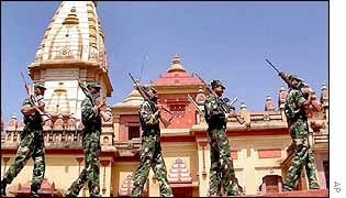 Soldiers on patrol at a temple in Bhopal
