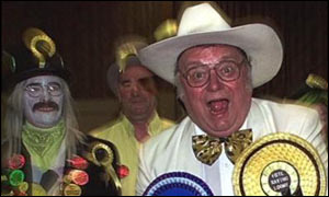 Howlin' Laud Hope with Monster Raving Loonies