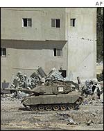 Israeli tank in Yasser Arafat's compound