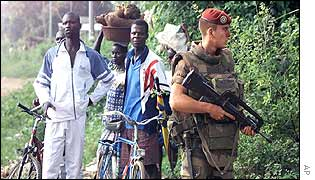Bouake locals and a French soldier