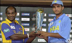 Sri Lanka captain Sanath Jayasuriya and India skipper Sourav Ganguly share the trophy