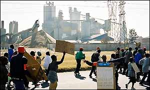 Protesters in front of the Vanderbijlpark plant