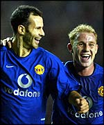 Manchester United's Ryan Giggs and Nicky Butt celebrate
