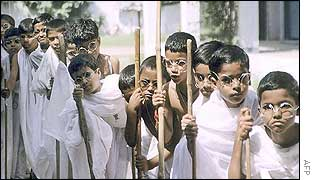 Children dressed as Gandhi in Lucknow