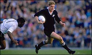 John Kirwan in action for the New Zealand All Blacks