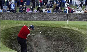 Ernie Els in the bunker at the troublesome 'road hole' at St Andrews