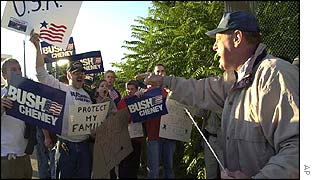 Anti-war protester argues with Bush supporters in Cincinnati