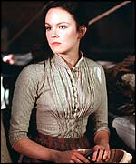 Nan Astley (Rachael Stirling)