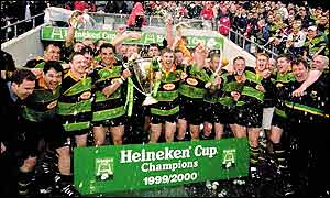 Northampton Saints celebrate after beating Munster 9-6 in 2000