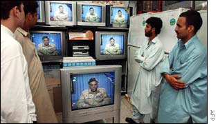 Pakistanis watch President's Musharraf nationwide address