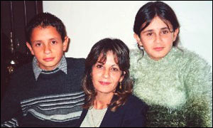 Siham Qandah with her children (picture: Christian Solidarity Worldwide)