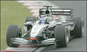 Kimi Raikkonen drives excellently in the McLaren