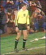 Wales goalkeeper Dai Davies prepares for Don Masson's penalty