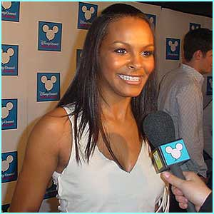 Samantha Mumba, who also presented Gareth with his award, and went on to perform her new single, I'm Right Here