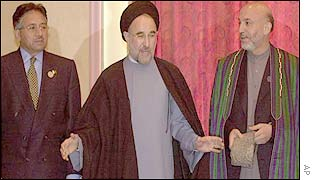 President Karzai (R) with President Khatami of Iran (C) and President Musharraf of Pakistan