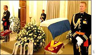 Dutch Royal Guard at prince's coffin