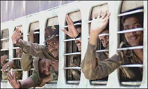 A deployment of Indian soldiers leave the boarder with Pakistan