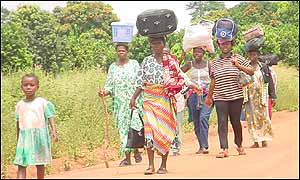 People fleeing south, 40 km from Bouake