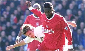Salif Diao shields the ball from Stephen McPhail