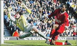 Salif Diao beats Paul Robinson at the near post on 66 minutes