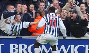 Jason Roberts celebrates with West Brom fans