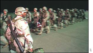 US soldiers deploy to the region around Iraq
