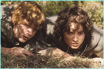 Sam (Sean Astin) and Frodo (Elijah Wood) - Photo Credit: Pierre Vinet/New Line Cinema