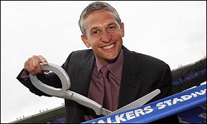 Gary Lineker opens the Walkers Stadium