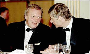 Gordon Taylor in conversation with Arsenal boss Arsene Wenger