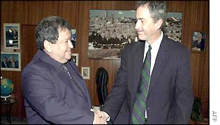 Israeli Defence Minister Binyamin Ben Eliezer (L) shaking hands with US Middle East envoy William Burns