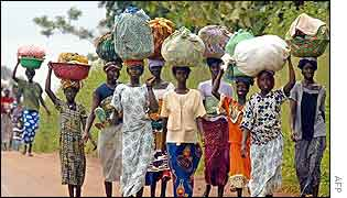Women fleeing government-held areas