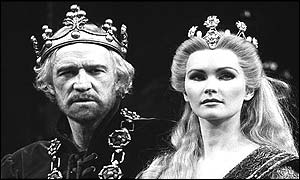 Richard Harris as King Arthur and Fiona Fullerton as Queen Guinevere at Apollo Victoria Theatre