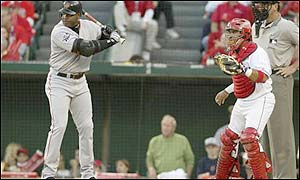 Barry Bonds' first-inning walk ties the record of 11 in a World Series held by Babe Ruth and Gene Tenace