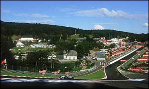 Ralf Schumacher blasts through Eau Rouge at Spa in 2002