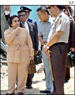 Megawati Sukarnoputri at the Bali bombing site