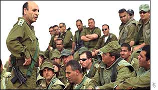 General Mofaz (Left) addresses Israeli troops