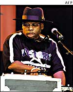 Jam Master Jay performing in Finsbury Park, London, in 2001